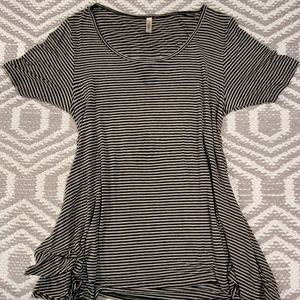 Lularoe perfect T-shirt